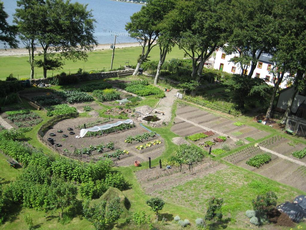 holy island garden gallery